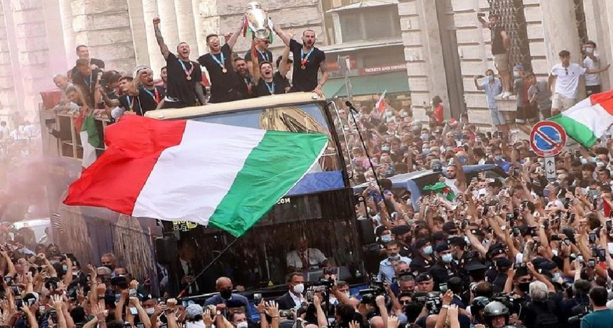 Celebrations of victory in Euro Cup 2021 worsened the situation in Italy, daily cases of Covid-19 increased by almost 4 times