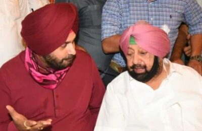 Navjot Singh Sidhu met CM Amarinder Singh for the first time after becoming the President of Punjab Congress