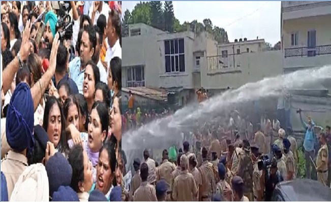 Police lathicharge Aam Aadmi Party's women's front