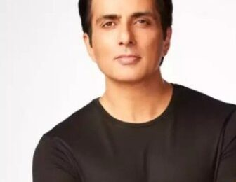 On social media, a fan demanded Rs 1 crore from Sonu Sood, actor Sonu Sood gave a funny answer
