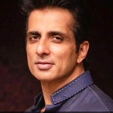 Many big officials were present at the Income Tax Raid house of Bollywood actor Sonu Sood.